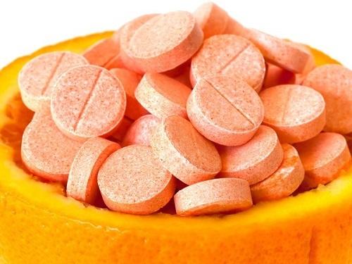 Dùng vitamin C chuẩn cách này, làn da trắng đẹp, sạch mụn cực nhanh