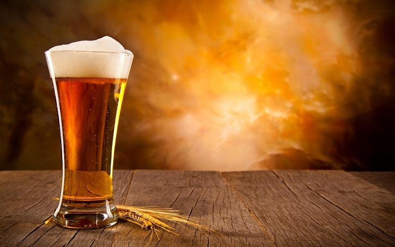 Bia tươi trị mụn đầu đen ở má hiệu quả