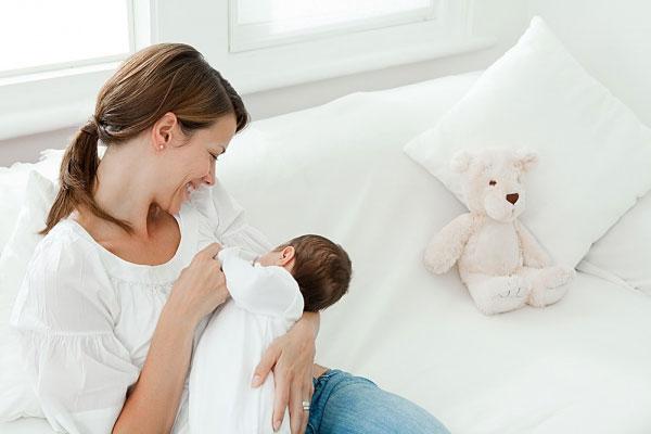 Những điều mẹ sau sinh nên lưu ý để có eo thon dáng chuẩn