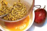 Dọn sạch mụn trứng cá tận gốc với 5 công thức đơn giản từ chanh dây