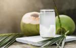 Uống nước dừa mỗi buổi sáng, bạn sẽ không bao giờ biết đến lão hóa da, mụn nhọt hay thâm nám